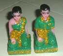 Product : Set of 2 statuettes spirit house Thailand was purchased by our customers with the article above.